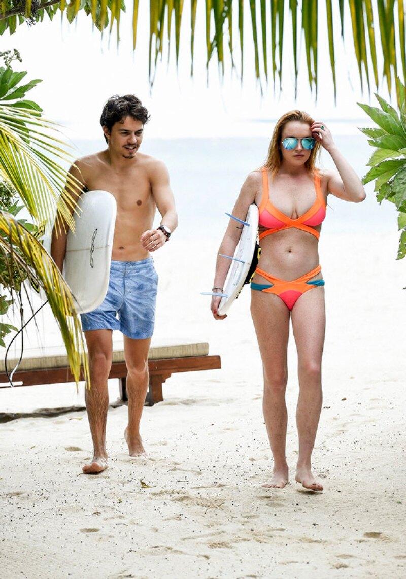 Lindsay y Egor siguen negando su compromiso, aunque ella presume un anillazo en la mano izquierda.