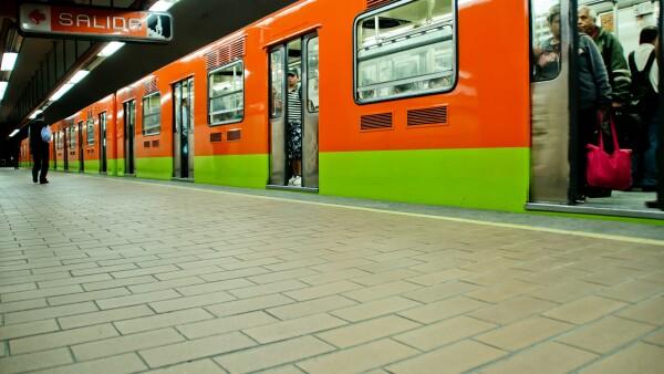 Subway train at Mexico city