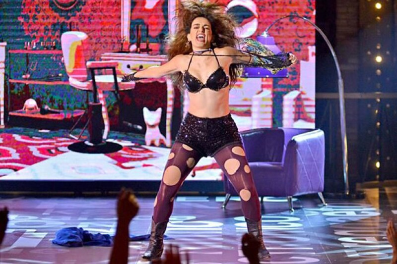 """La actriz fue invitada al programa Lip Sync México, en el que escogió interpretar """"Pelo Suelto"""" de la cantante."""