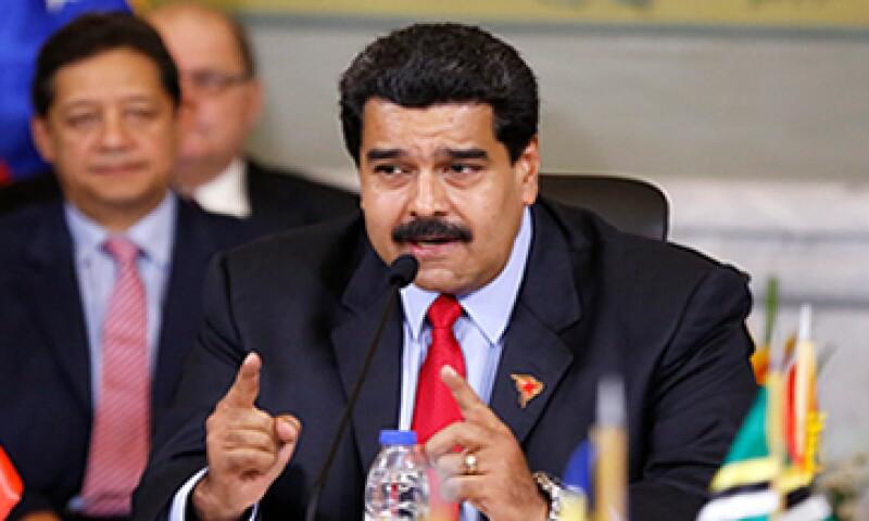 Con el desplome de los precios del crudo Venezuela ha visto retroceder en casi la mitad sus ingresos en divisas. (Foto: Reuters )