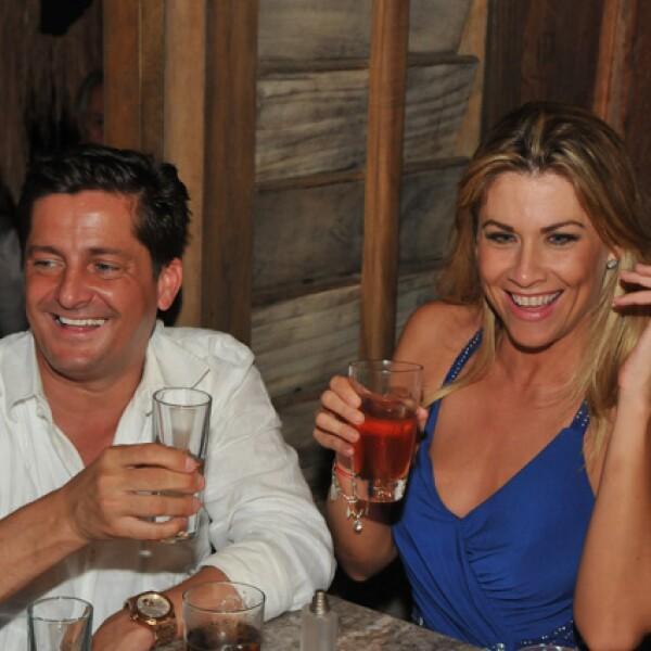 Alejandro Basteri y Carolyn Robredo Leigh.