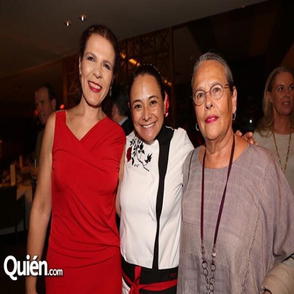 María Teresa Ramírez Degollado,Yerika Muñoz,Carmen Titita