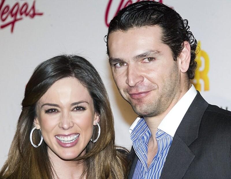 Jacqueline Bracamontes y Martín Fuentes iniciaron su noviazgo en 2010.