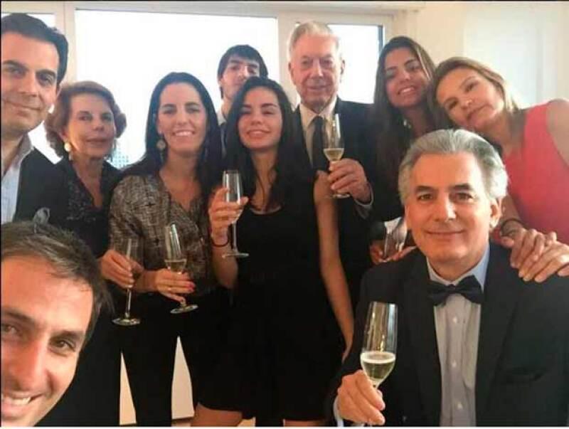 El escritor fue visto en Madrid junto a Isabel Preysler a unos días de que celebrara sus bodas de oro junto a su esposa Patricia Llosa. Ahora, él confirma que está separado.