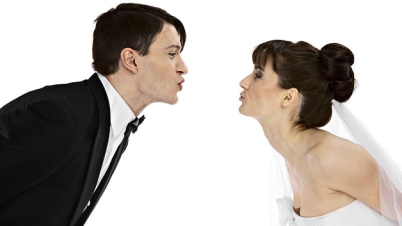 boda pareja beso kiss