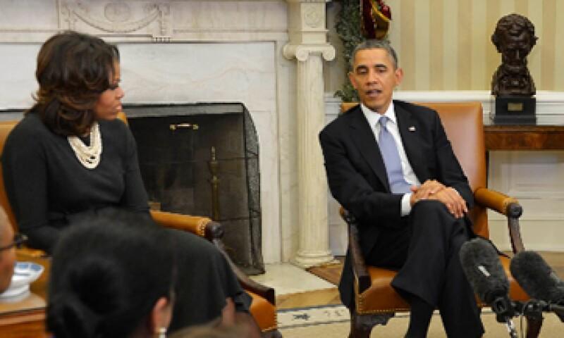 Ante las fallas y promesas incumplidas con el nuevo esquema de seguridad social, la popularidad de Barack Obama se vio mermada. (Foto: Reuters)