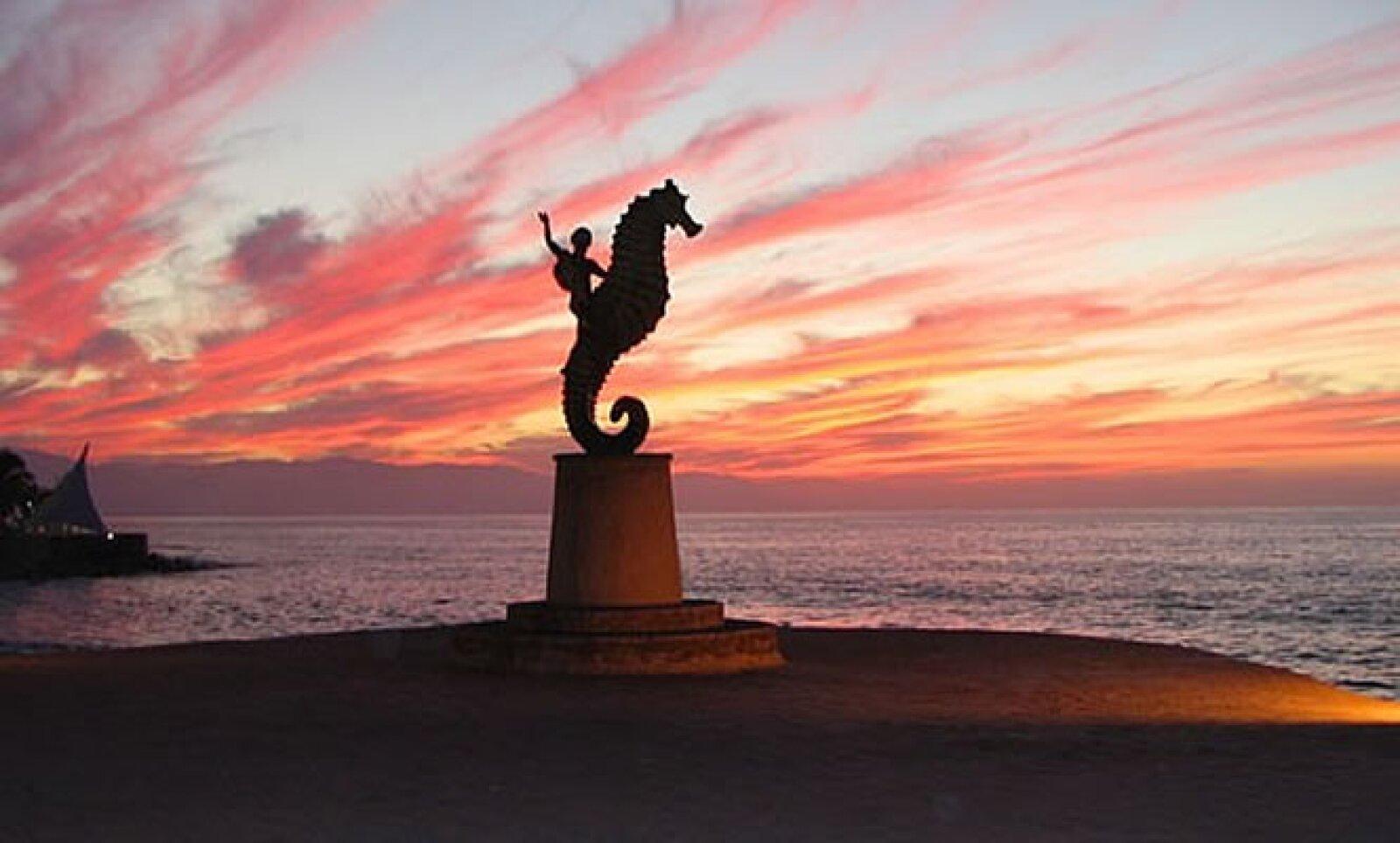 La Secretaría de Turismo (Sectur) informó que los destinos de Puerto Vallarta y Riviera Nayarit, serán la nueva sede del tianguis turístico 2012.
