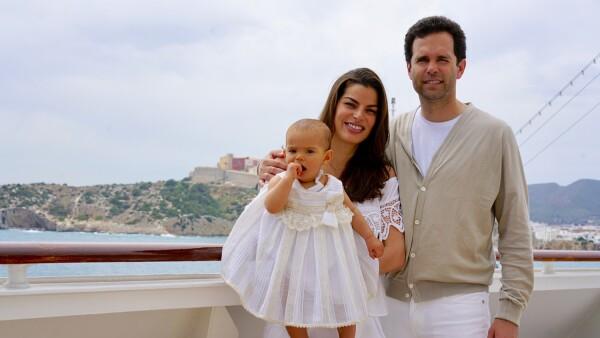Bárbara Coppel, Alejandro Hank y su hija Amaïa