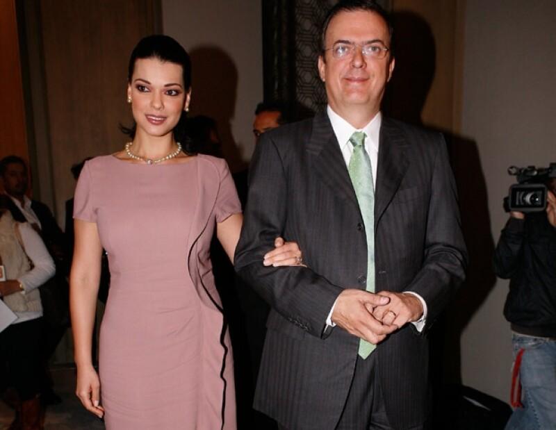 Rosalinda Bueso y Marcelo Ebrard.