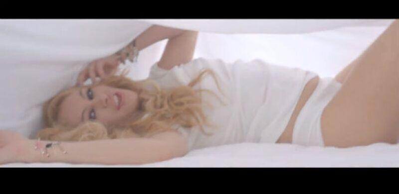 Paulina en una de las escenas del sexy video.