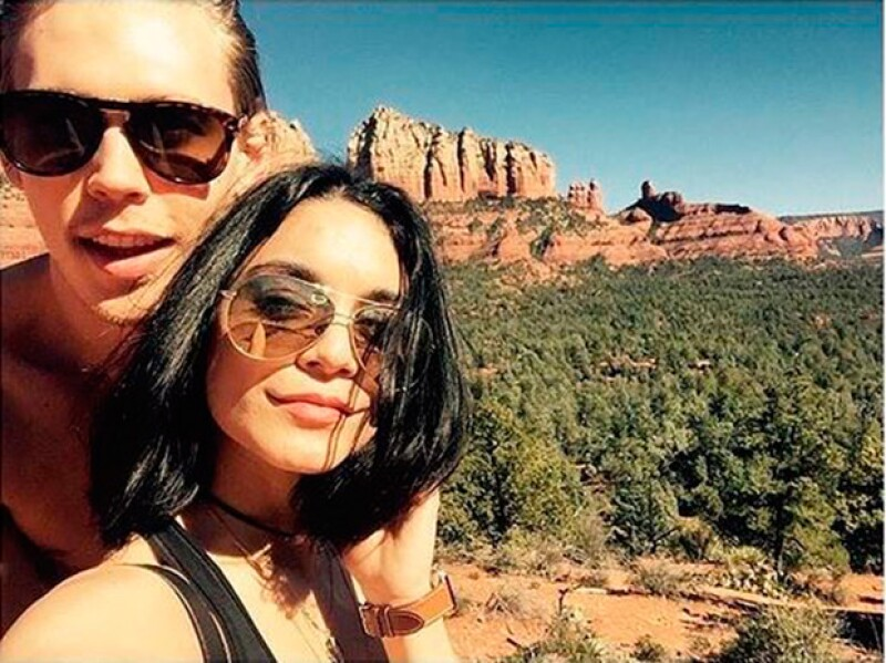 La actriz y su novio están siendo investigados por dañar una piedra en un parque de Arizona, área protagida.