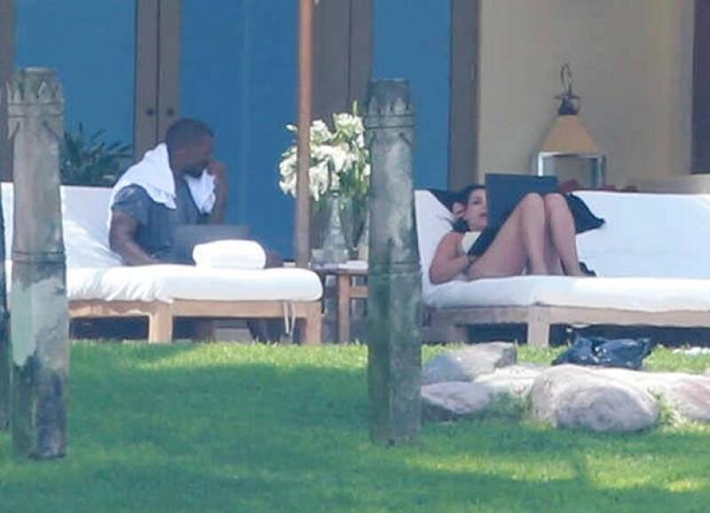 La pareja se encuentra descansando en la casa de un amigo de Kim Kardashian.