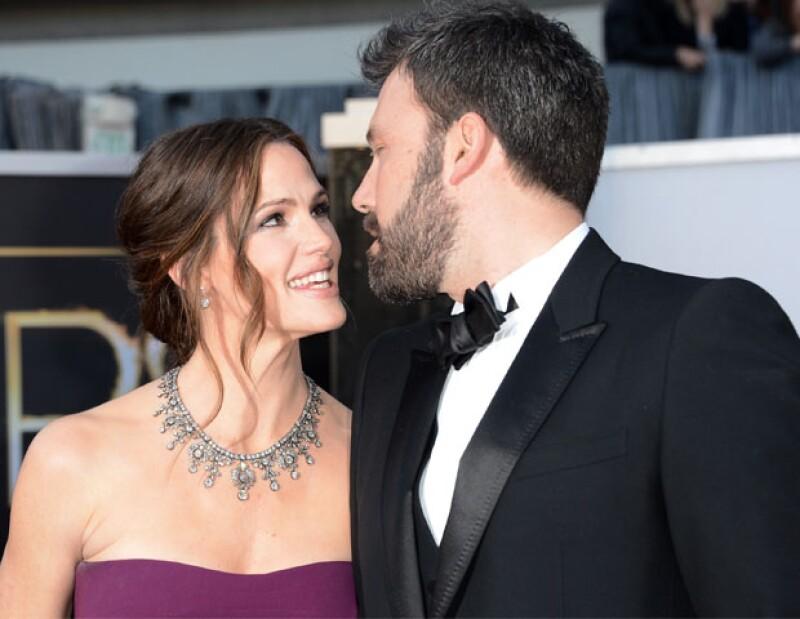 La pareja lucía muy enamorada durante los Premios Oscar del 2013.
