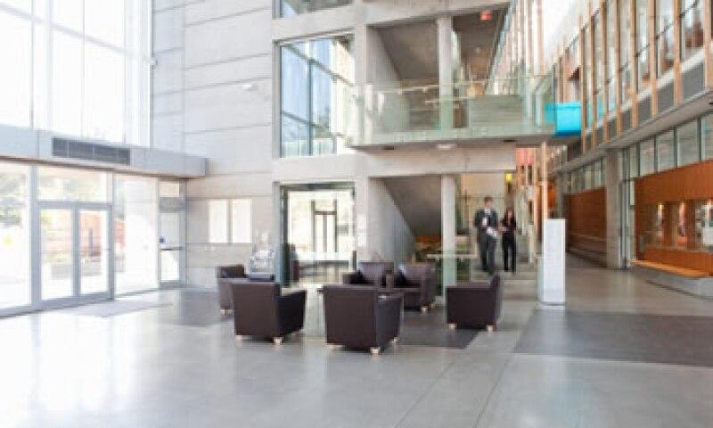 El arrendamiento de inmuebles, oficinas, plantas industriales y centros comerciales son el principal ingreso de las Fibras. (Foto: Getty Images)