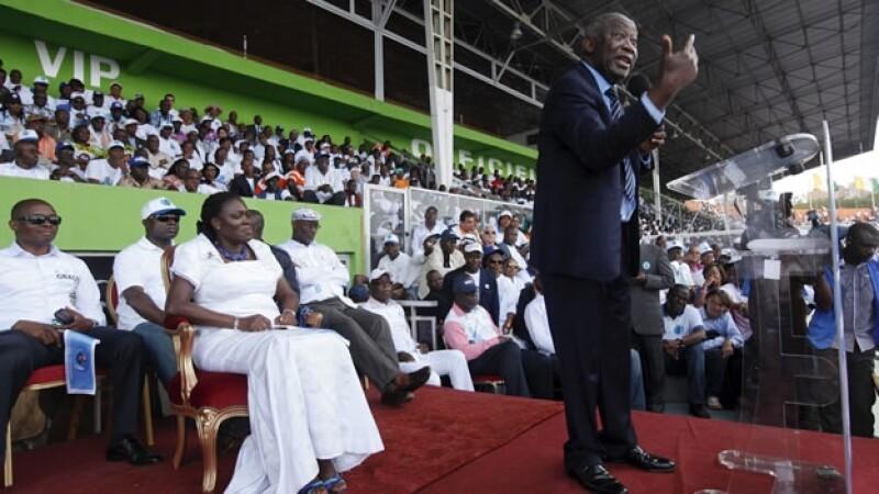 Simone Gagbo atiende discurso del expresidente de Costa de Marfil