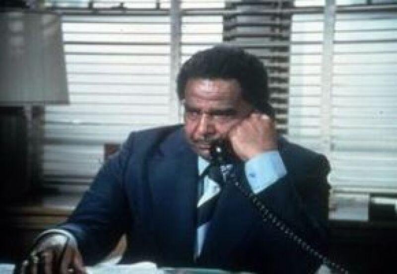 El actor interpretó a un exigente capitán de policía en la serie de televisión Starsky y Hutch.