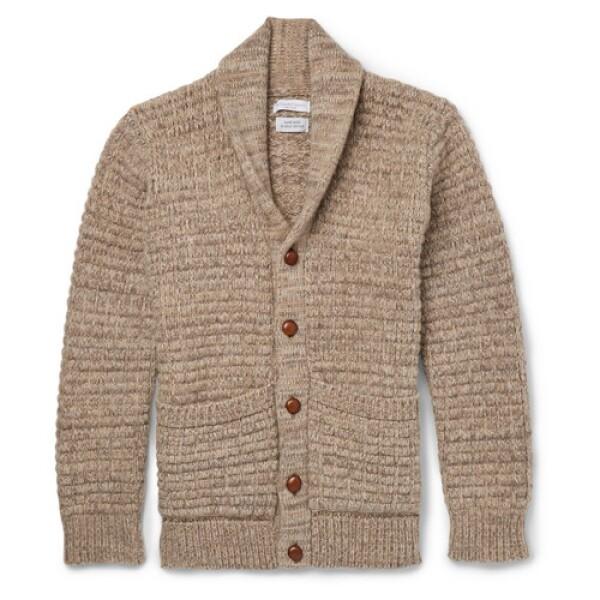 Es completamente recomendable tener un suéter en un tono que pueda ser usado en la mañana o noche. No importa si tiene botones o si es cerrado, lo que tienes que tomar en cuenta es la capacidad de ...