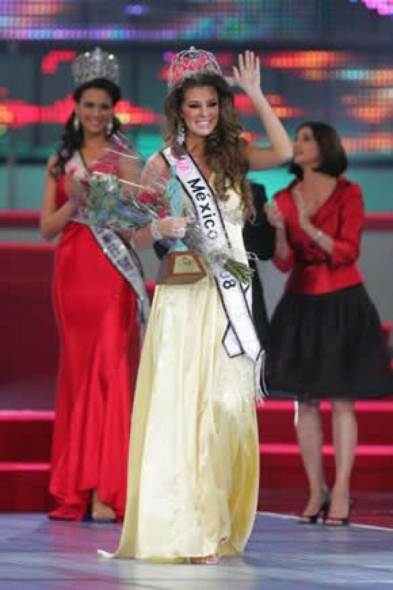 Karla Carrillo dijo que pondrá todo su esfuerzo para triunfar en el certamen internacional.