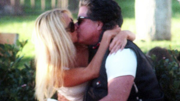 PREMIUM EXC Pamela Anderson & Jon Peters