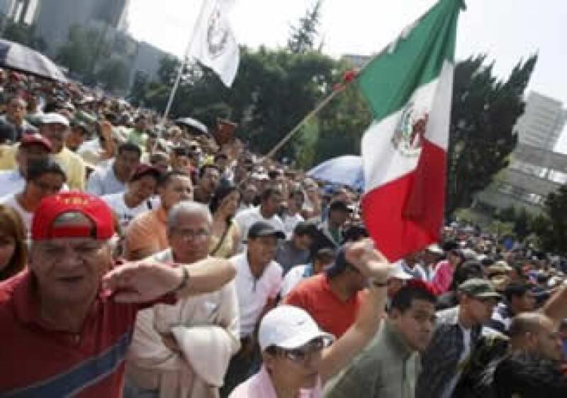 Los trabajadores realizaron un mitin en el Monumento a la Revolución. (Foto: Reuters)