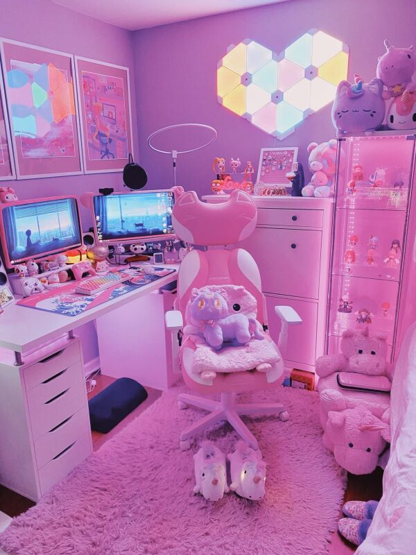 My updated kawaii battlestation uwu.jpg