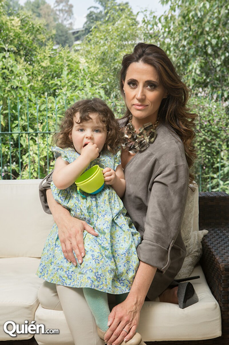 Sofía Díaz nos abre las puertas de su casa y nos presenta a su hijita, la razón por la que todo este movimiento comenzó.