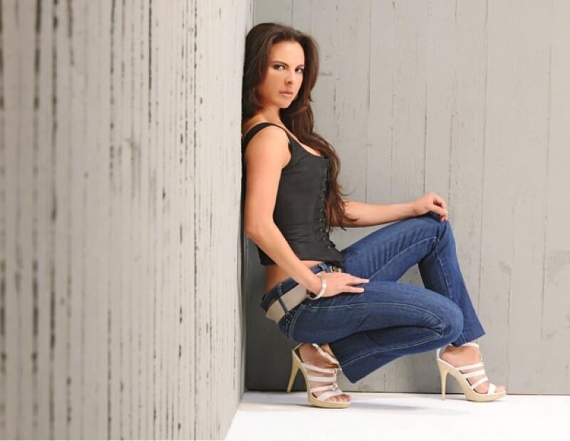 La actriz mexicana reconoció que protagonizar la cinta `K-11´ fue una oportunidad única en su vida profesional.