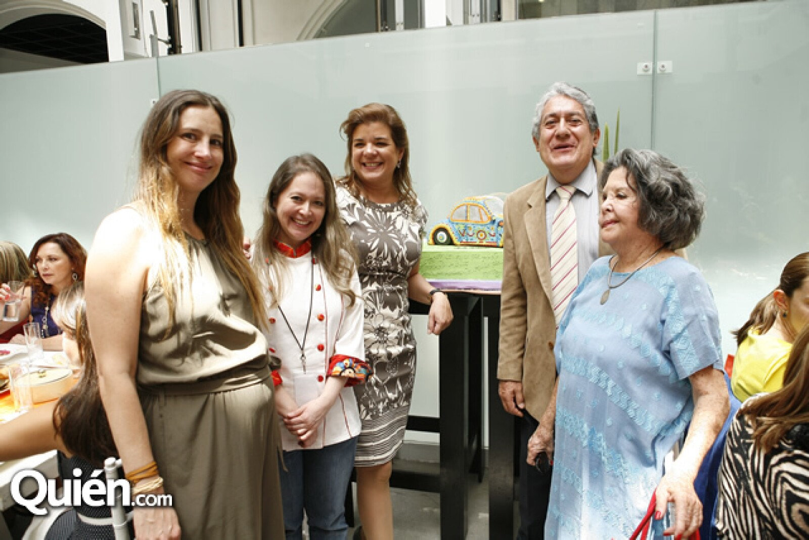 Mariana Zesati, Lynda Baldera, Sonya Santos, José Iturriaga y Malu Escandón