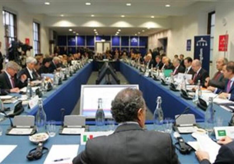 El grupo aún no acuerda las medidas para limitar los pagos de bonos en los bancos (Foto: Reuters)