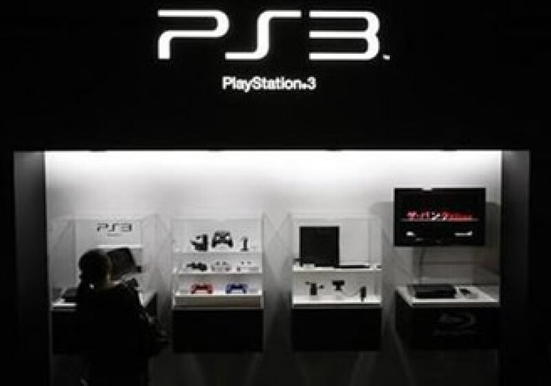 La consola PlayStation 3 tiene un costo que ronda los 6,000 pesos en México. (Foto: Reuters)