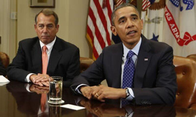 El abismo fiscal se refiere a alzas impositivas y recortes en el gasto que entrarán en automático en 2013 a menos que se llegue a un acuerdo político. (Foto: Reuters)