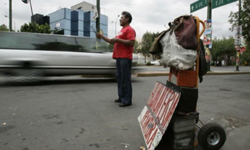 La población subocupada subió a 8.35% en abril con cifras desestacionalizadas.  (Foto: AP)