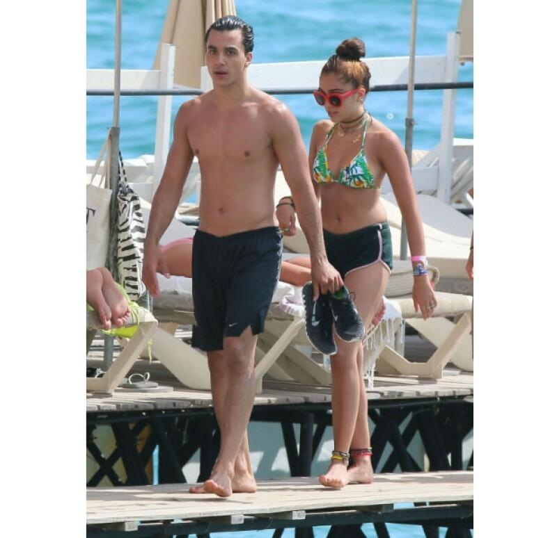 Timor Steffens, novio de la reina del pop, acompaña a Lourdes en una tarde de verano en Cannes.