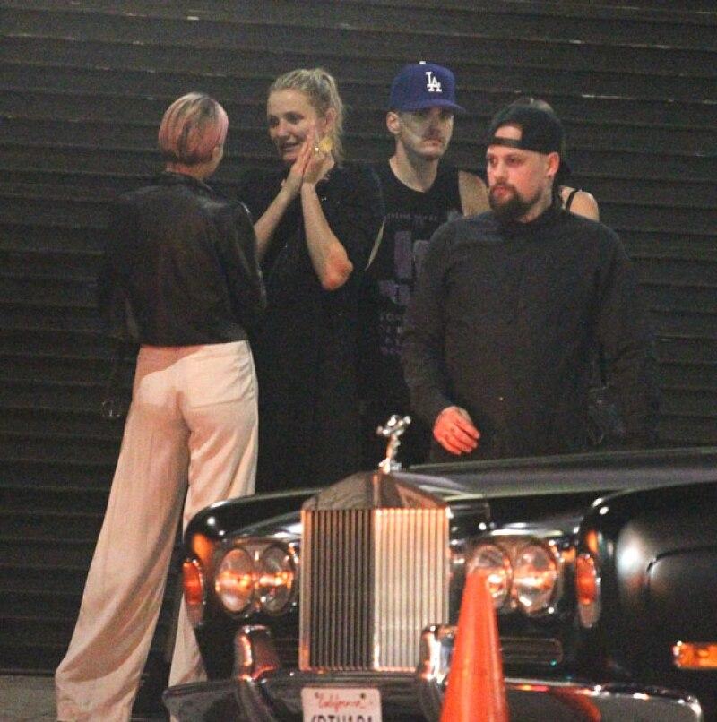 Los recién casados disfrutaron de una cena con el hermano de Benji, Joel, y su esposa, Nicole Richie, quien resulta ser gran amiga de la actriz de Los Ángeles de Charlie.