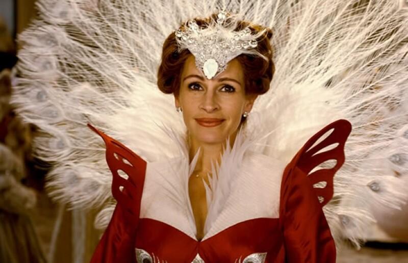 Julia fue la antagonista de Lily Collins.