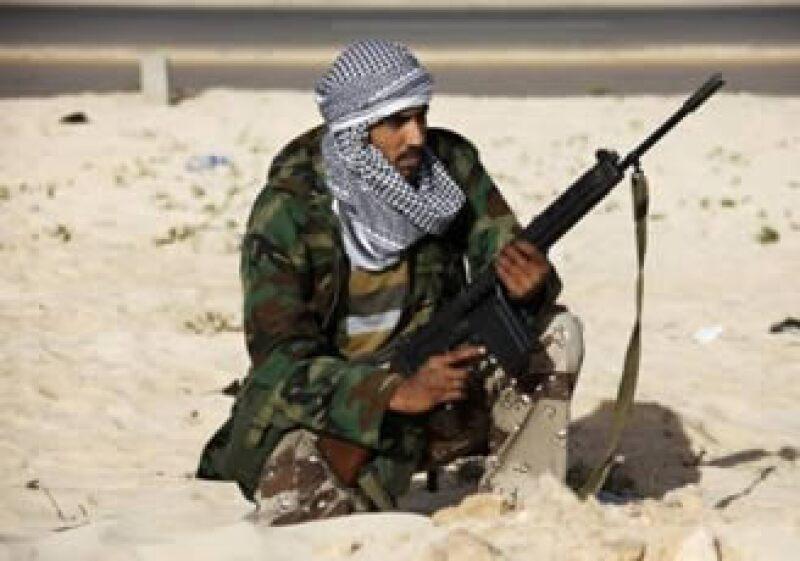 Los combates en Libia continuaron preocupando a los mercados ante una mayor corte al suministro de crudo en la región. (Foto: Reuters)