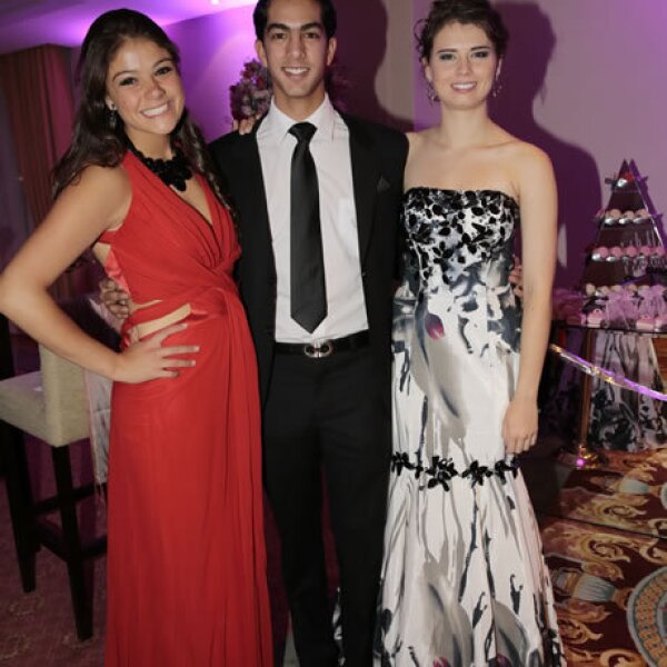 Daniela Lascurain,Yusif Kahwagi,Natalia Salinas