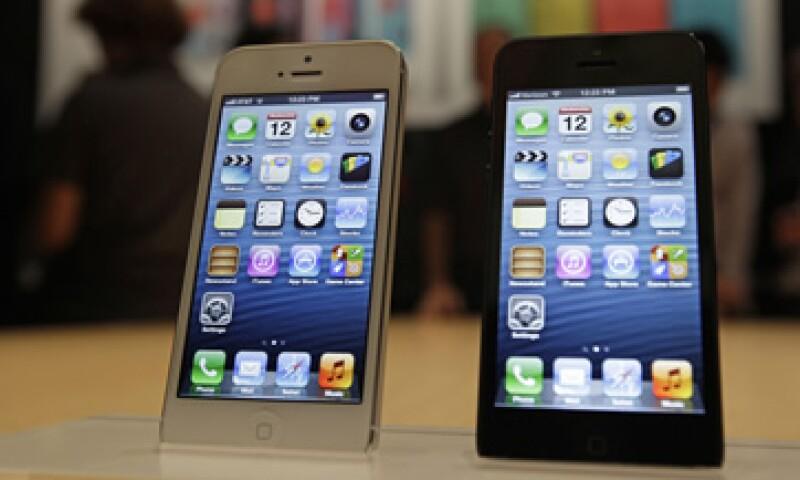 El iPhone 5  cuenta con una pantalla mejorada de 4 pulgadas y conectividad 4G. (Foto: AP)