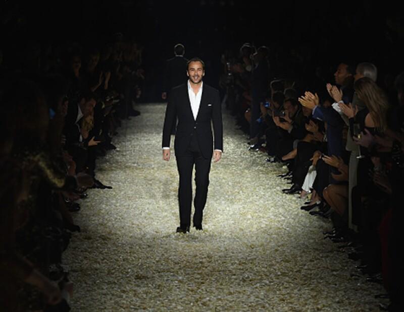 El diseñador se une al movimiento de Burberry de cambiar la forma en la que vemos la moda.
