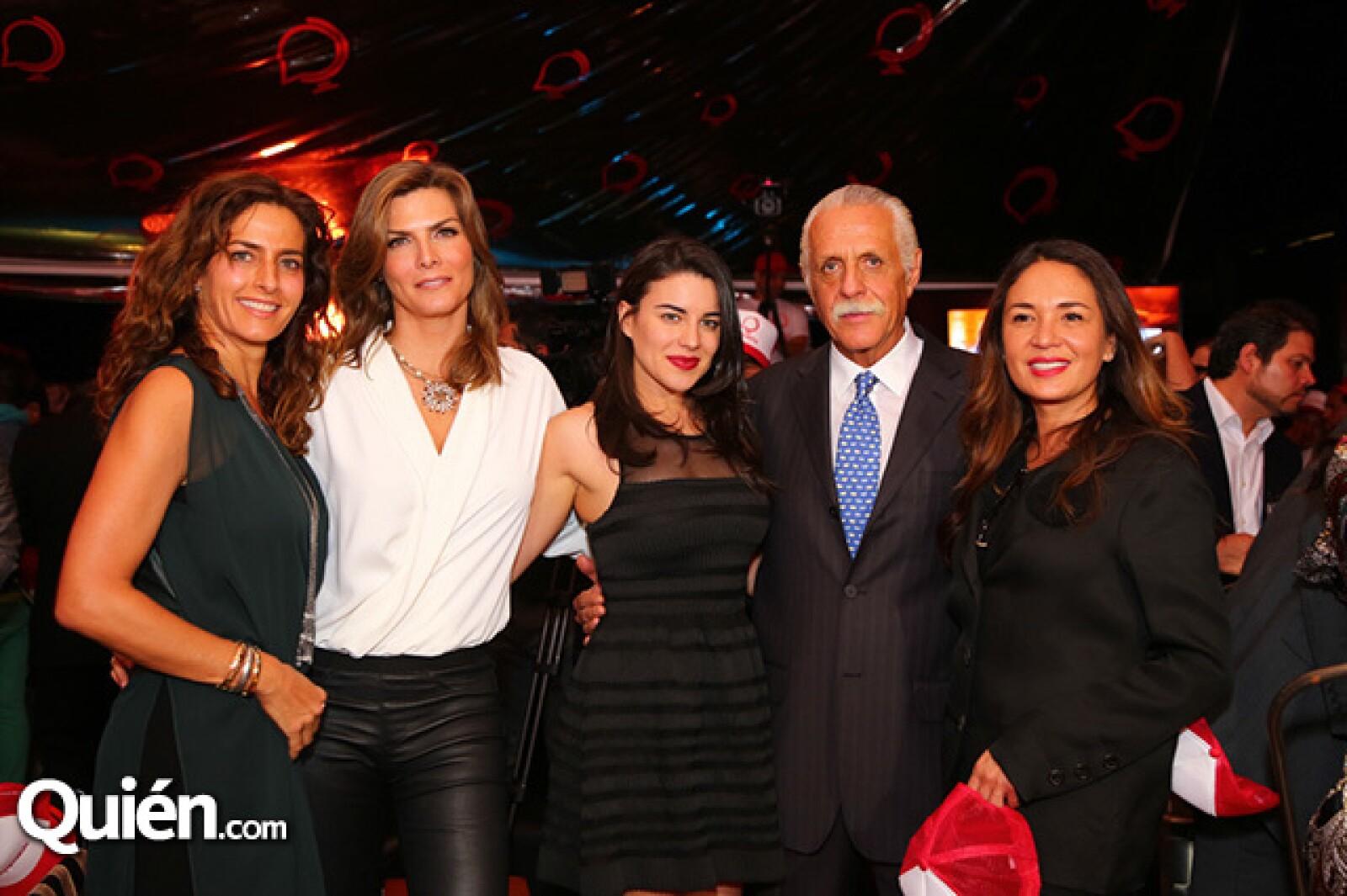 Paola Saad,Montserrat Oliver,Melissa Galindo,Rafael Herrerías y Yolanda Andrade