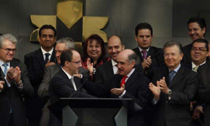 La incertidumbre por EU generó afectación en las valuaciones de los fondos de inversión y de pensiones, dijo Téllez (al frente a la derecha). (Foto: Notimex)