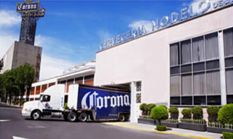 Grupo Modelo, fundado en 1925, posee trece marcas, entre las que destacan Corona Extra. (Foto tomada de gmodelo.mx)