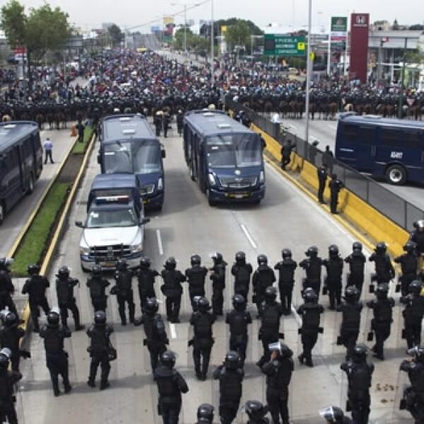 bloqueo aeropuerto CNTE 6