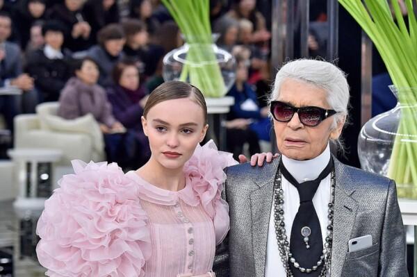 Lily Rose-Depp y Karl Lagerfeld