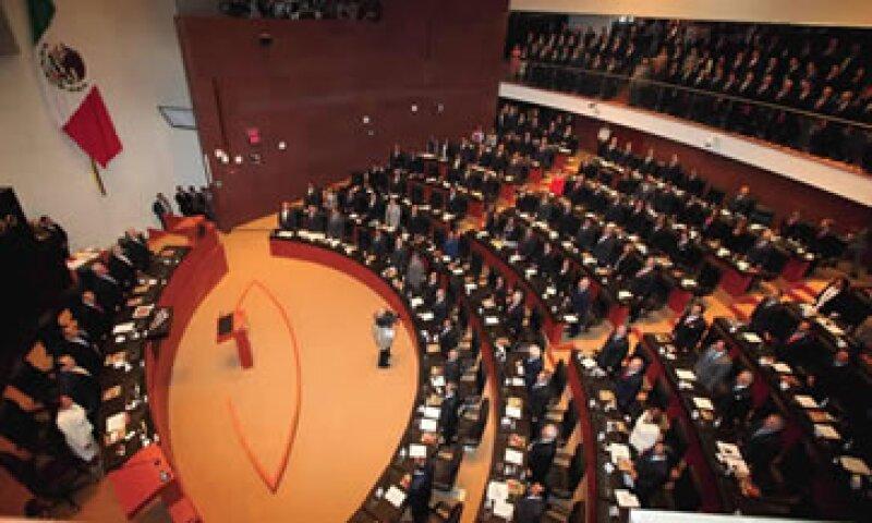 El pleno en el Senado de la República iniciará este jueves con la discusión y eventual aprobación de la Ley de Ingresos 2012. (Foto: Archivo)