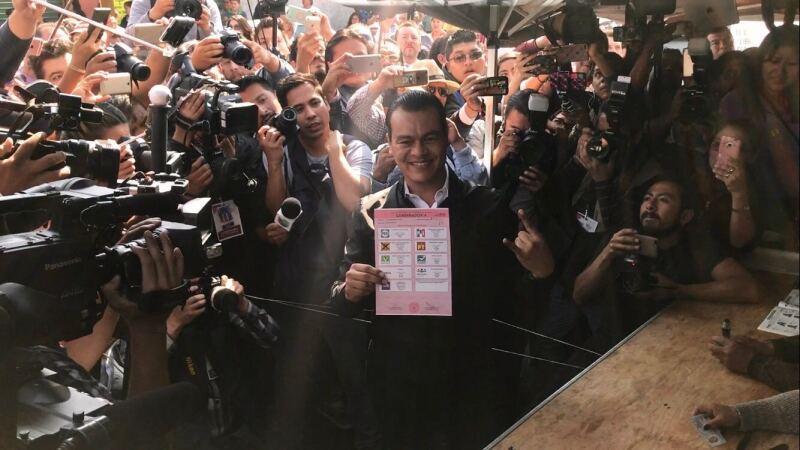 Juan Zepeda llama al voto