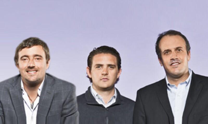 Héctor Sepúlveda (izq.) Luis de Yturbe (centro) y Rodrigo del Villar, atienden principalmente el segmento de casas en serie y de interés social. (Foto: Duilio Rodríguez)
