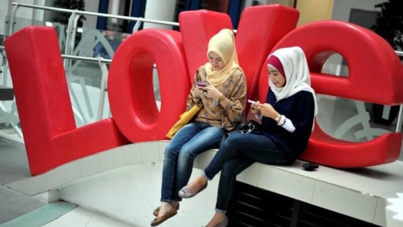 Indonesia, celulares, cultura, habitos, mujeres, islam