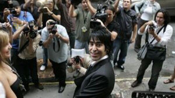 El baterista del grupo jalisciense abrió De Santos el cual ofrecerá comida italiana en Nueva York.