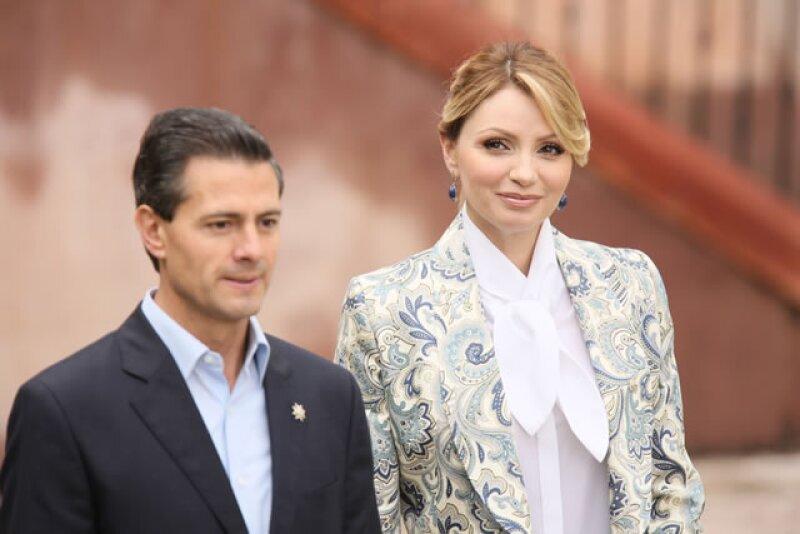 En entrevista para 'El asalto a la razón', el presidente de México desmintió el  supuesto distanciamiento entre él y Angélica Rivera. Además de tocar otros temas como su salud y la casa blanca.